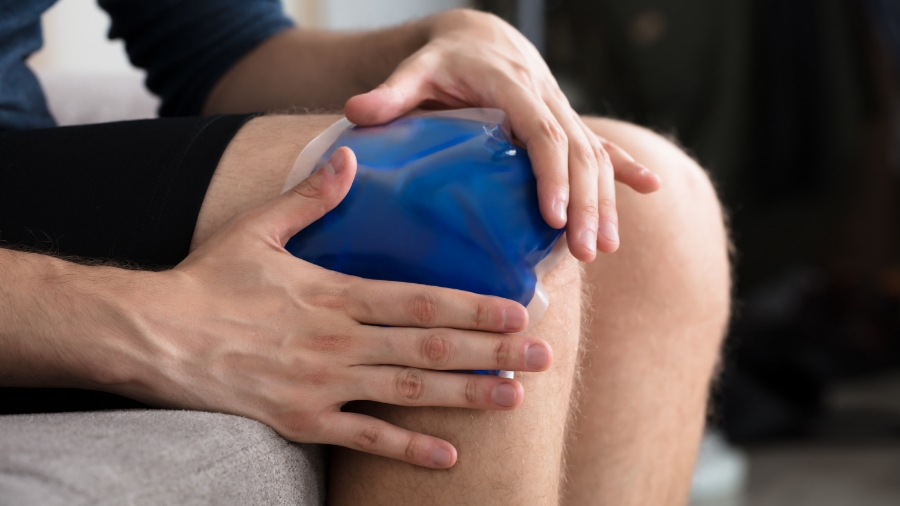 Hot or Cold Therapy for a Sports Injury—When to Use Each