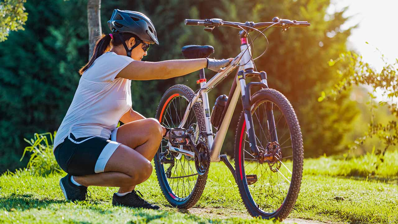 15 Ways to Stay Safe on Your Bike