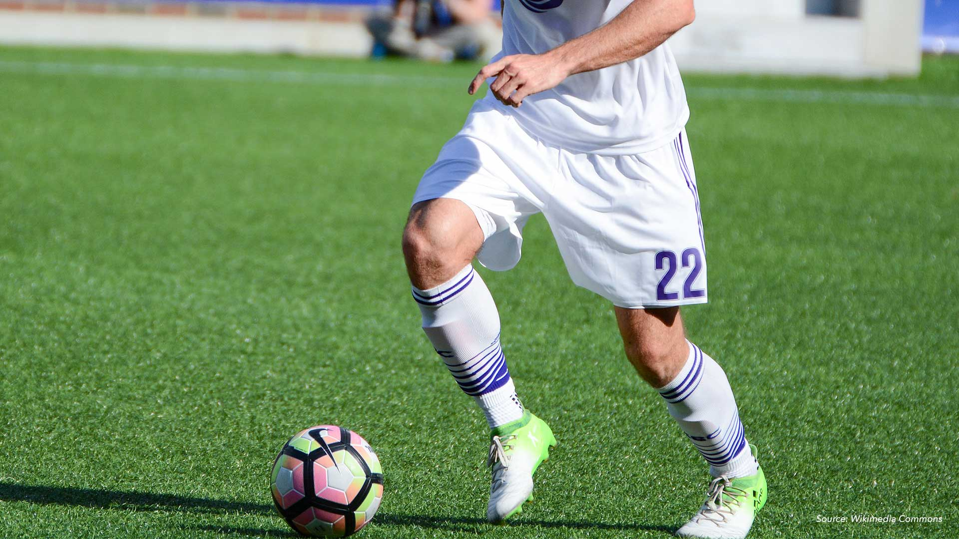 Why Pro Soccer Players Suffer So Many Knee Injuries