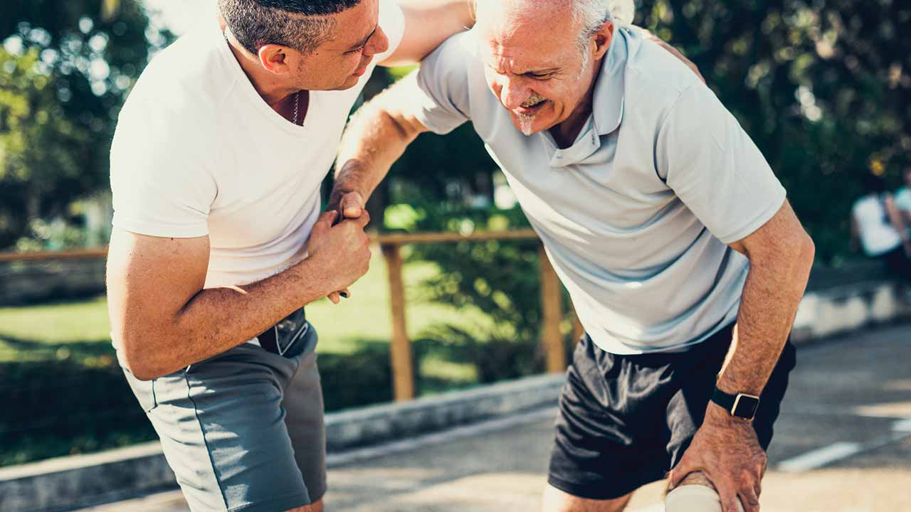 When to See an Orthopedic Surgeon for Arthritis